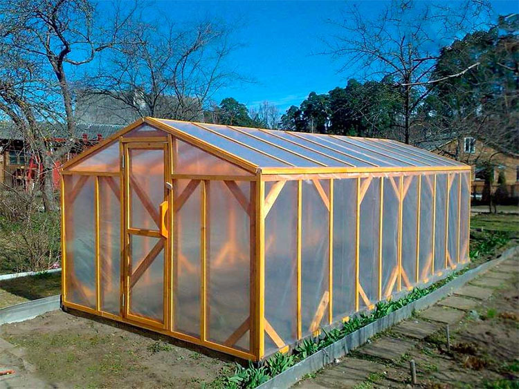 Building A Small Greenhouse Of Your Own Is Easy